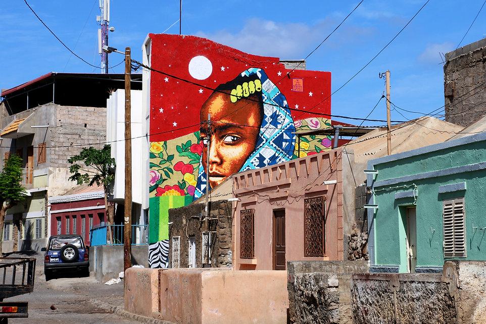 ananda nahu powerful Empowering mural art female artist in cabo verde afrika cidade da praia muralism