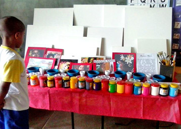 Escola Publica de Laura de Freitas faz releituras de pinturas de Ananda Nahu