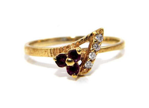 Gold Garnet & Diamond Ring