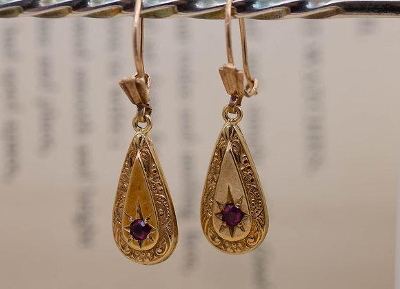 Teardrop Garnet Set Earrings