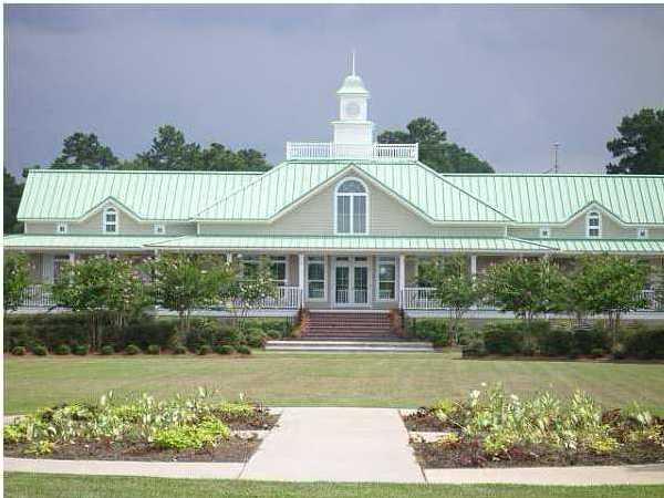 white_gables_club_house