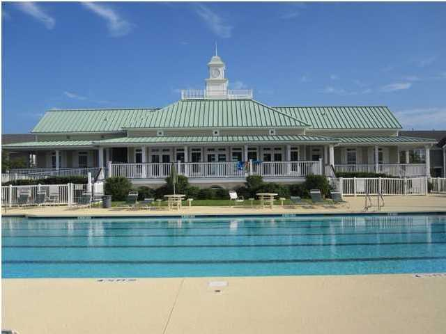 white-gables-club-house-pool