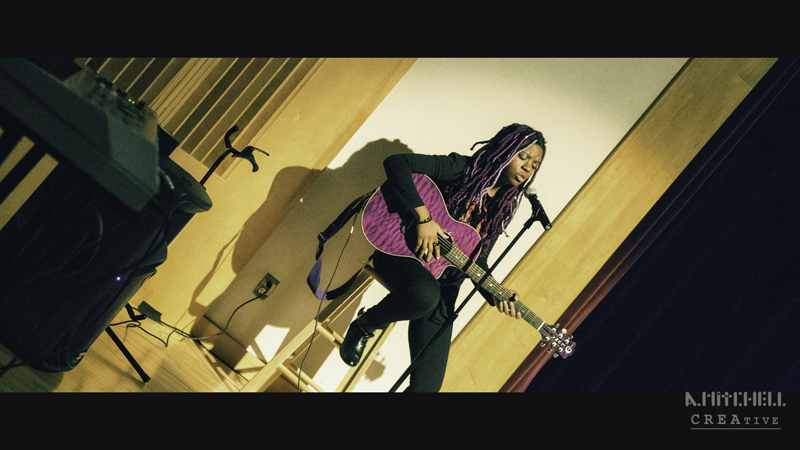 gospel_singer_and_guitar_player_cinema