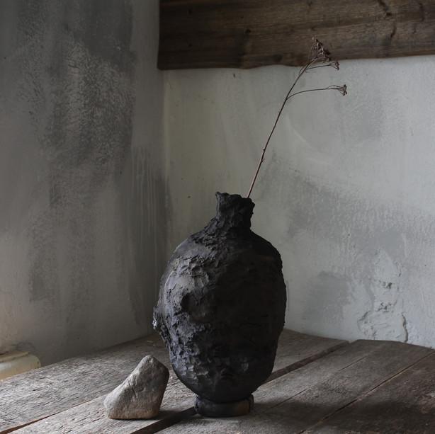 wabi sabi black vase