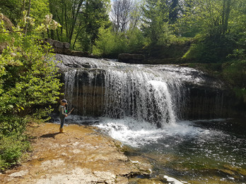Visit the Herisson waterfalls in France