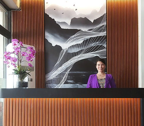 asiana hotel main lobby concierge
