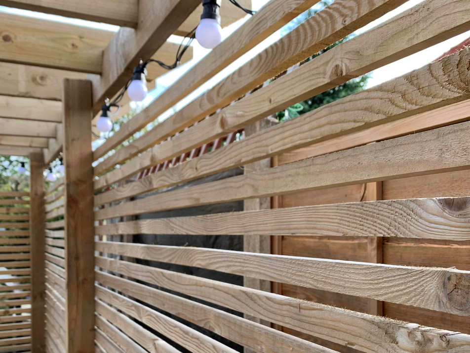 horizontal lath fencing.jpg