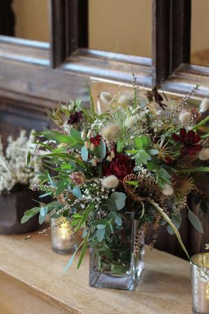 Sideboard Flowers tealights plants event