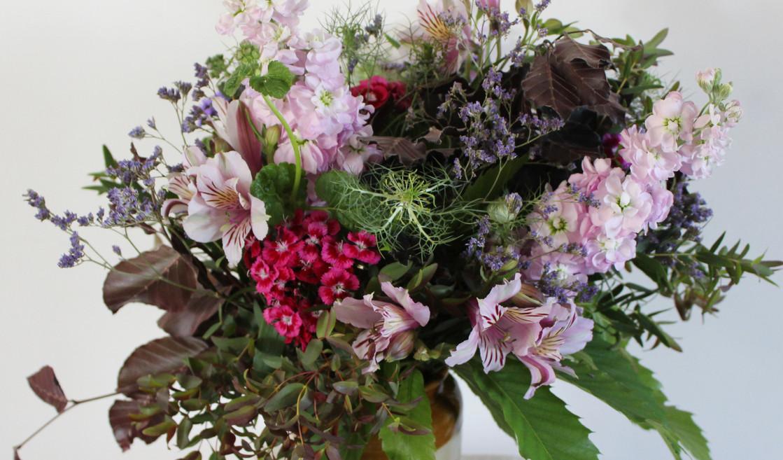 arrangement-country-british-flowers-vase.jpg