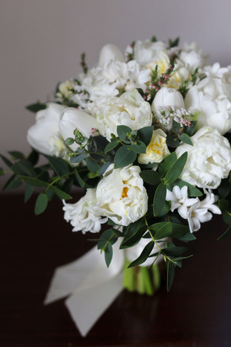 White Green Spring Bridal Bouquet Seveno