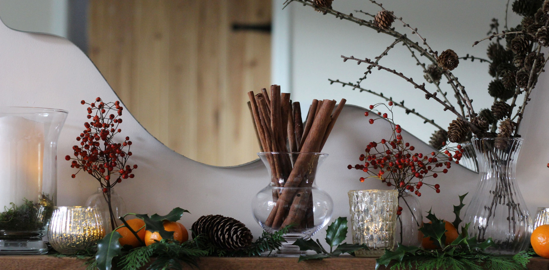 classic-christmas-mantle