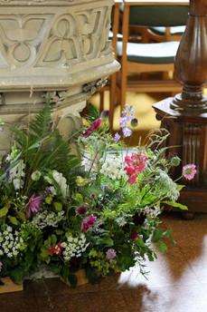 Church Font Flowers Foam Free Kent.JPG