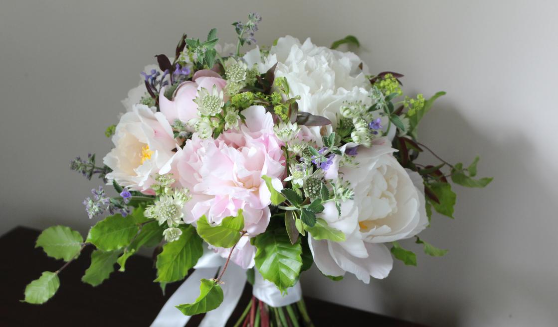 peony-wedding-bouquet-boho-sevenoaks.jpg