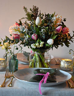 Spring Pink and White Table Scented Flow