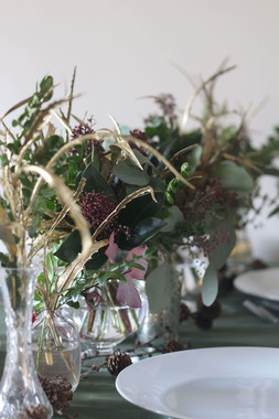 Gold and Green Festive Table Flowers Ton
