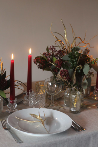 Classic Red Gold Green Christmas Table S