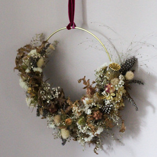 Feather-Dried-Hoop-Decor