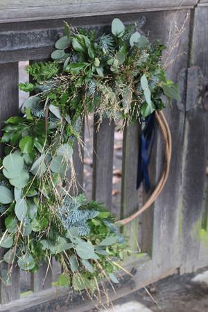 Large Wreath Hoop Foliage Gold Ribbon.JP