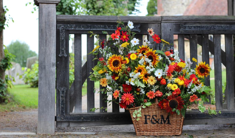 sunflower-autumn-basket-flower-wedding.jpg