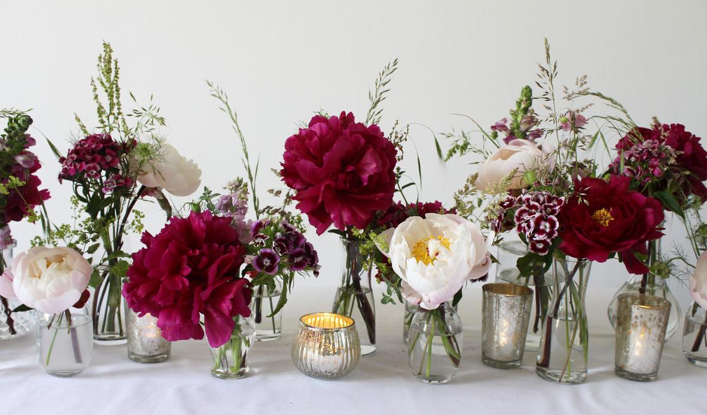 bud-vases-red-white-florist.jpg