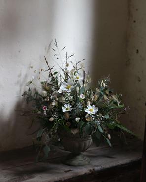 Sevenoaks Moody Natural Wedding Flowers.