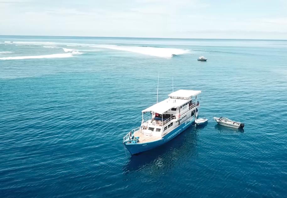 ASIA Boat Surf Charter Mentawai Bird View.png