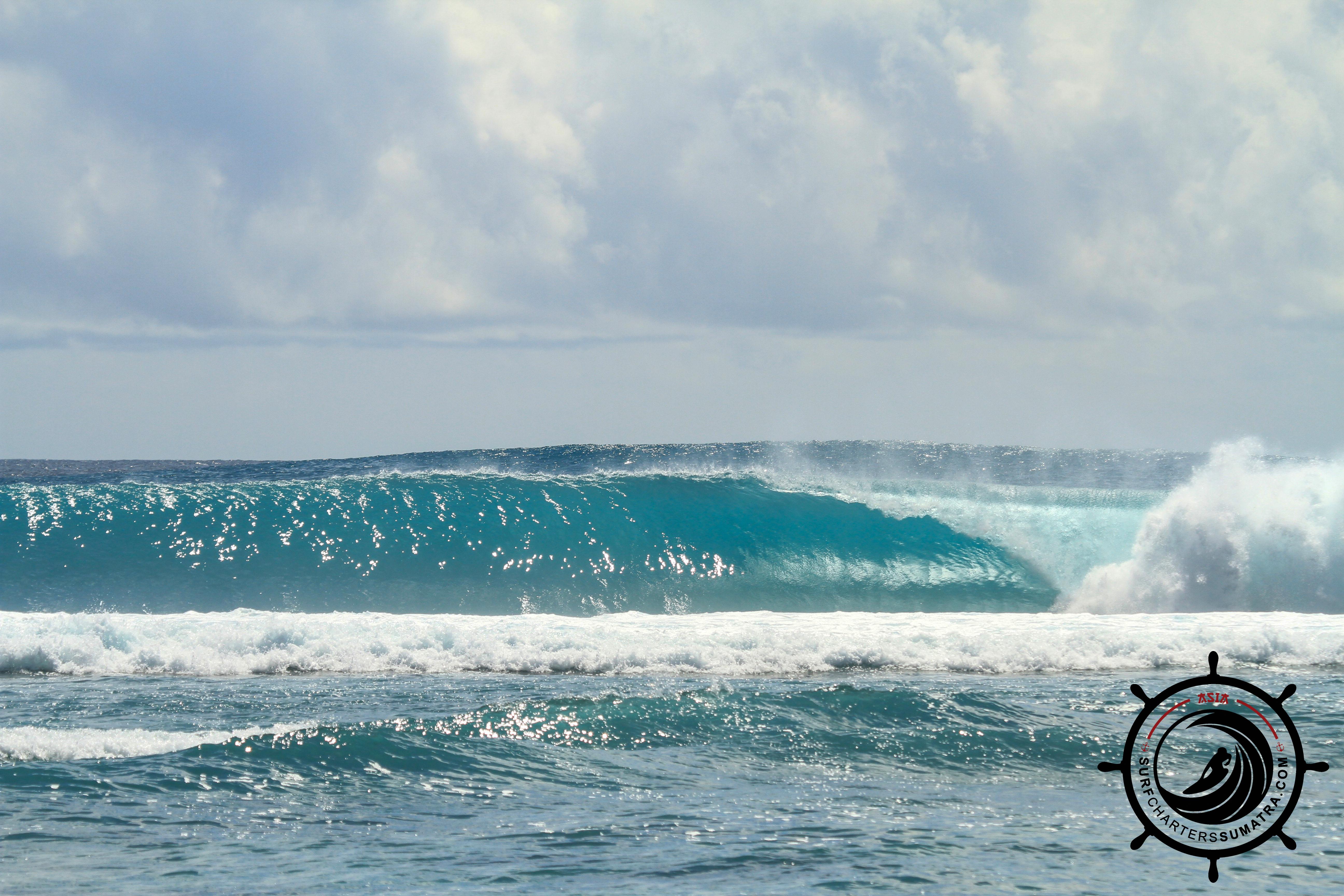 HTS MENTAWAI WAVE