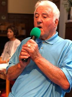 Bill+singing.jpg