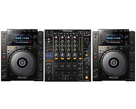 Pioneer CDJ900 DJM800.jpg
