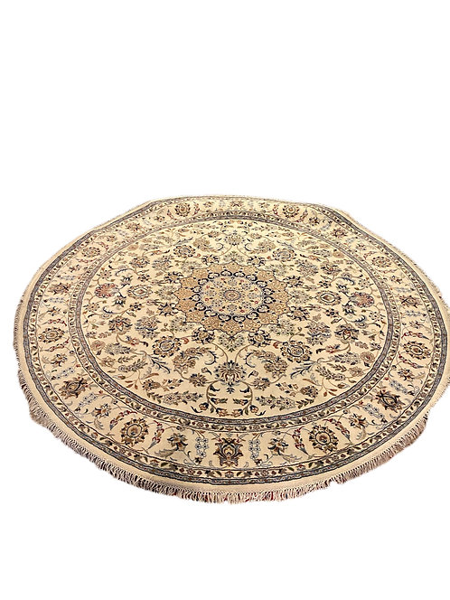 8 ft Round Nain Rug with Silk