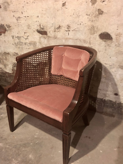 Coral bucket chair