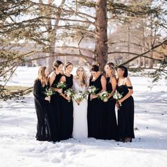 Bridesmaids vs. groomsmen... 😂 ⠀_⠀_Wint