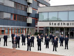 Gruppenfoto vor der Stadthalle Baunatal