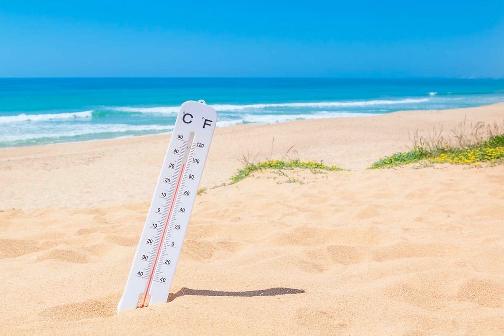 thermometer in the sand