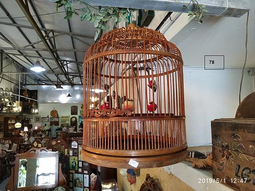 כלוב במבוק לציפור