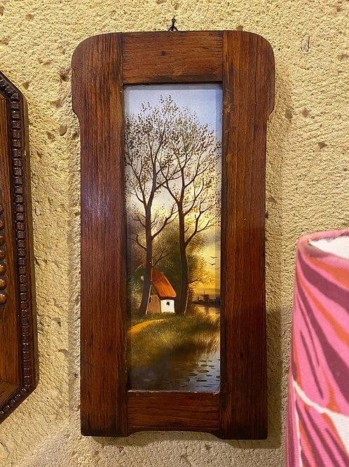 לוח פורצלן מצוייר ביד במסגרת עץ