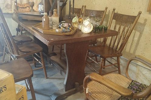 שולחן אוכל נזירים