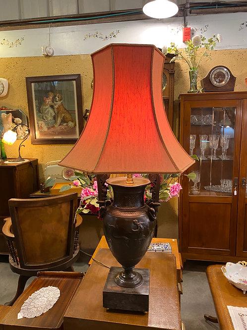 מנורת שולחן בסיס ברונזה ושיש