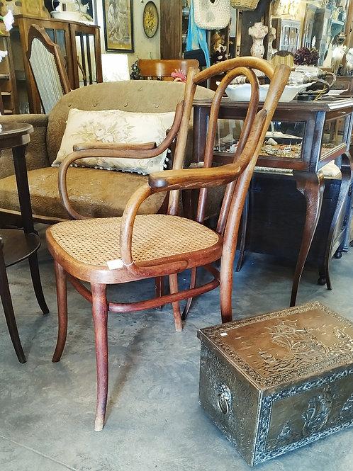 כסא בנטווד