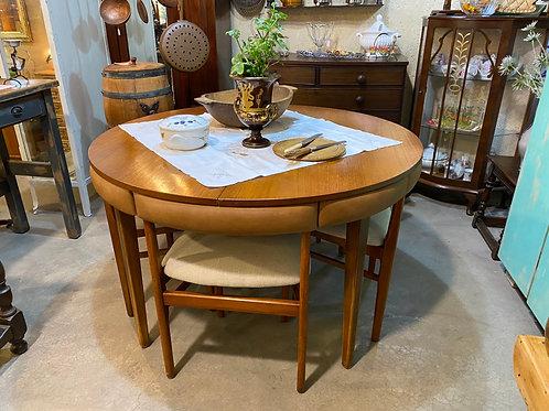 שולחן אוכל עגול נפתח + 4 כסאות