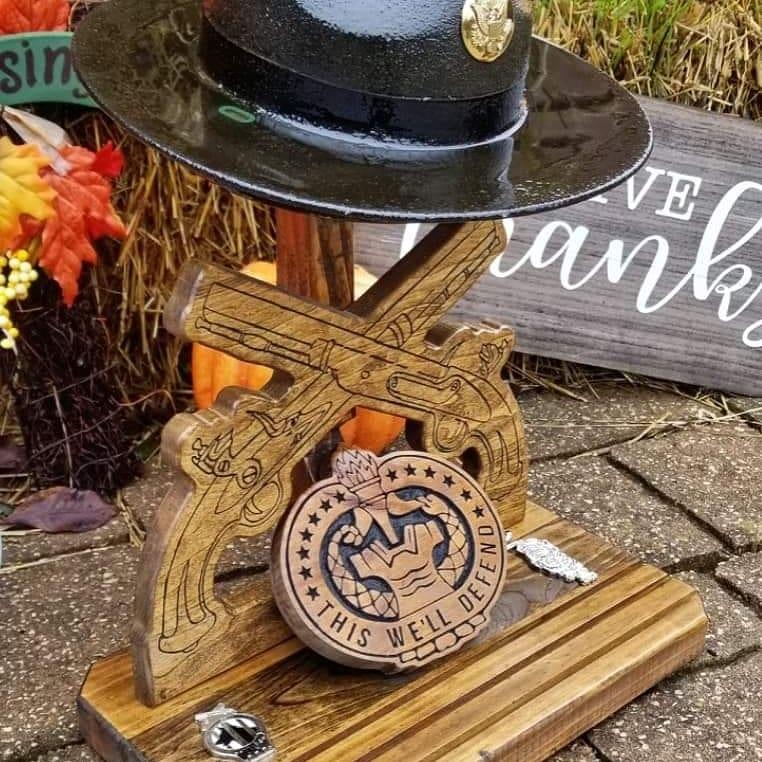 hat stand coin base / alder
