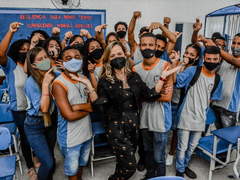 Professora de Itaboraí leva turma à semifinal da Olimpíada de Língua Portuguesa