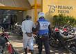 PM prende homem com drogas e farda policial em SG