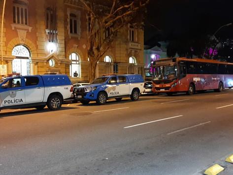 PM prende acusado de roubos a ônibus em Niterói