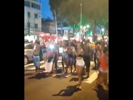 Protestos contra as mortes de jovens no Santo Cristo
