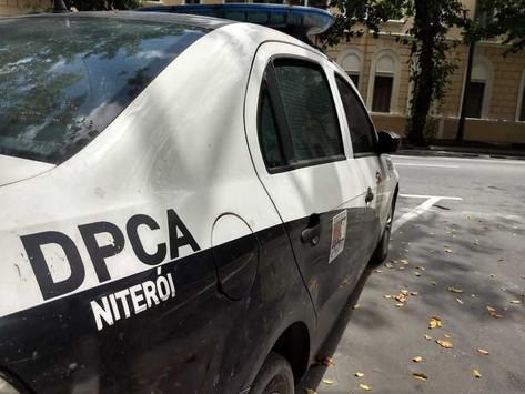 Mulher é presa ao tentar assaltar policial em Niterói
