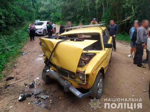 Аварія на Хотинщині: зіткнулися два легковики