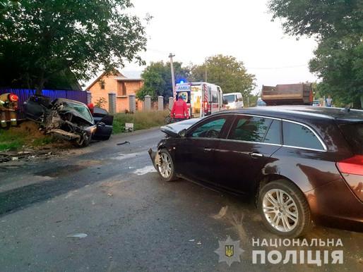 Поліцейські з'ясовують обставини трагічної аварії