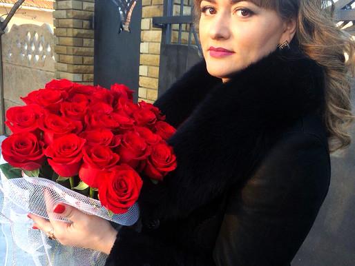 Про дивовижні квіткові замовлення та тренди у флористиці розповіла квітникарка