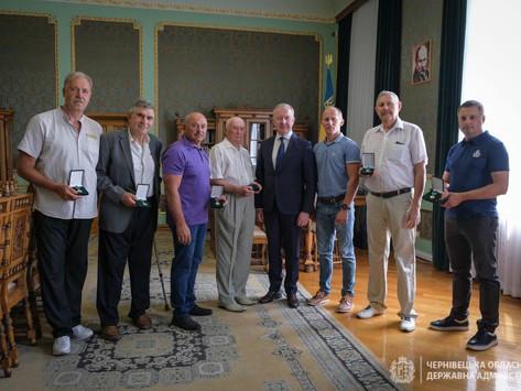 Відзнакою «Вдячна Буковина» нагороджено тренера Хотинської  ДЮСШ
